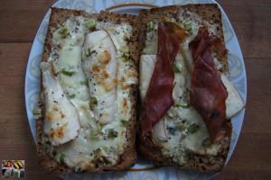 Birnen-Roquefort Toast