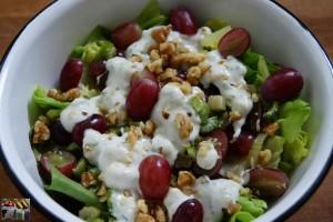 Herbstsalat mit Trauben und Roquefort