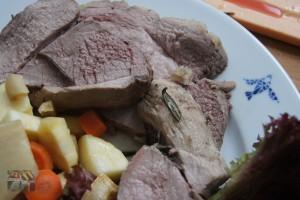Lammkeule mit Rosmarin und Knoblauch