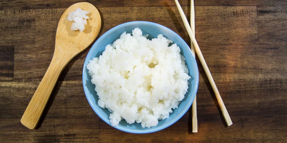 sushi reis richtig kochen nat rlich lecker. Black Bedroom Furniture Sets. Home Design Ideas